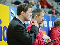 Jan Srdínko (vlevo), šestinásobný vítěz extraligy, v pozici asistenta trenéra Slavie