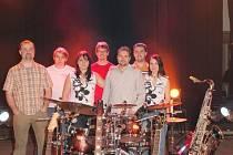 Čejka Band hraje už třináct let. Snímek zachycuje jeho současné složení