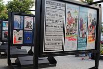 Z výstavy filmových plakátů na Masarykově náměstí v Benešově.