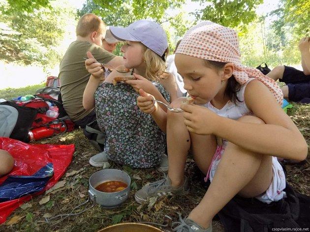 Od pondělí do pátku čeká na táborníky například vaření v přírodě.