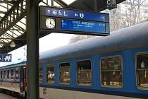 Pro 12 párů rychlíků z a do jižních Čech se Praha - Hlavní nádraží od února stane tranzitní stanicí. Cílovou a výchozí budou pražské Holešovice.