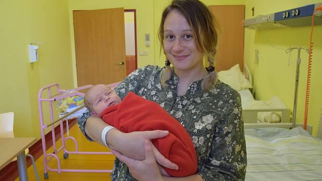 Maya Přibyslavská se Kláře Jelínkové a Petru Přibyslavskému narodila v benešovské nemocnici 16. září 2021 v 6.07 hodin, vážila 3570 gramů. Rodina bydlí v Labech (Zvěstov).