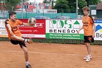 Hráči Šacungu Benešov Jana Burda (vlevo) a Jan Šperlík (vpravo).