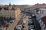 Benešov při pohledu ze střechy kostela sv. Anny - jižní část Masarykova a Malého náměstí.