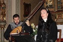 Vystoupení Pavly Fendrichové a Jindřicha Macka bylo jedním z dalších Svatohubertských koncertů v kapli zámku Konopiště.