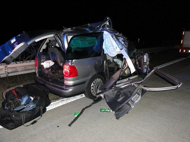 Nehoda, která se stala v sobotu ráno si vyžádala jednu oběť.