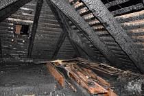 Penzionu u nádraží vzplála střecha, shořelo půl druhého milionu