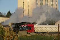 Sklad dopravní firmy Jasa ve středu ráno.
