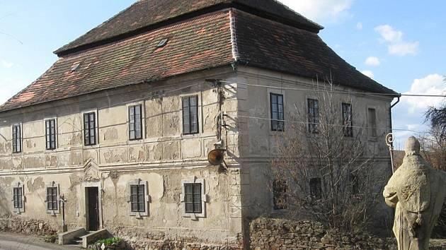 Maršovický spolek chce oživit barokní faru.