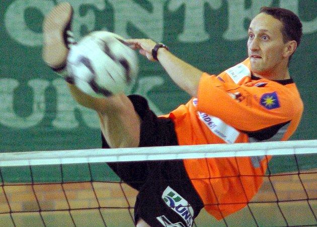 Výborně rozjetý republikový šampionát měla dvojice benešovského Šacungu Jiřího Doubravy a Petra Stejskala (na snímku). První krize ve čtvrtfinále však pro ně znamenala vyřazení.