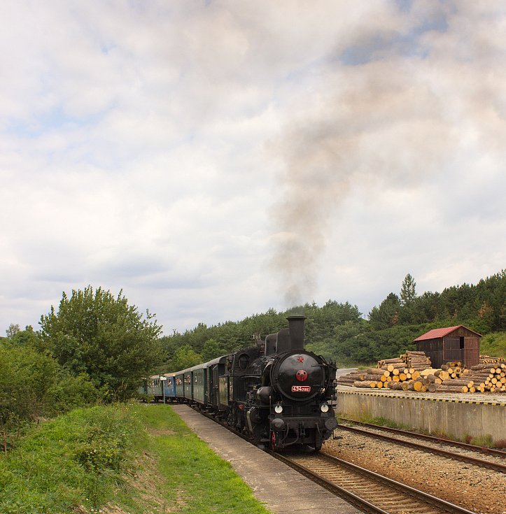 Nostalgický vlak na trati Posázavského Pacifiku.