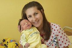 Malá Gabriela Matoušková se narodila v pátek 16. června v 8.54  rodičům Šárce Hromasové a Karlovi Matouškovi. Při narození v benešovské porodnici vážila 3790 gramů a měřila 51 centimetrů.  Doma ve Vlašimi se už na ni těší starší bratříček Karel (2).