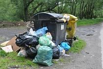 Kritická situace s odpadky v Českém Šternberku