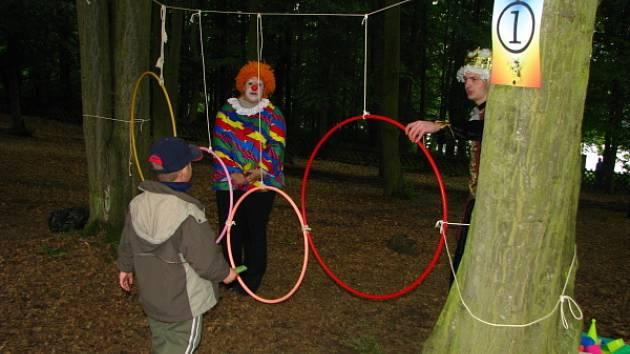 Na Konopišti si děti hrály s pohádkovými bytostmi