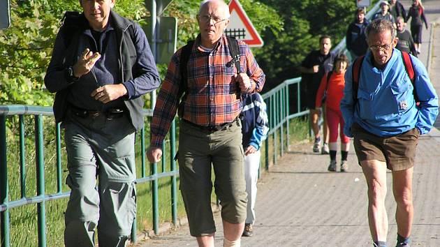 Turisté v Týnci nad Sázavou.