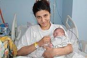 Malá Rozálie je prvním dítětem manželů Dominiky a Štefana Kováčových. Narodila se v úterý 3. dubna v 7.41 s porodní váhou 2760 gramů a mírou 45 centimetrů. Doma je rodina v Bystřici.