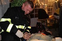 Noční cvičení dobrovolných hasičů.