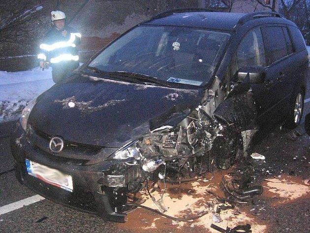 Nehoda čtyř aut zcela zablokovala v Olbramovicích hlavní tah E55.