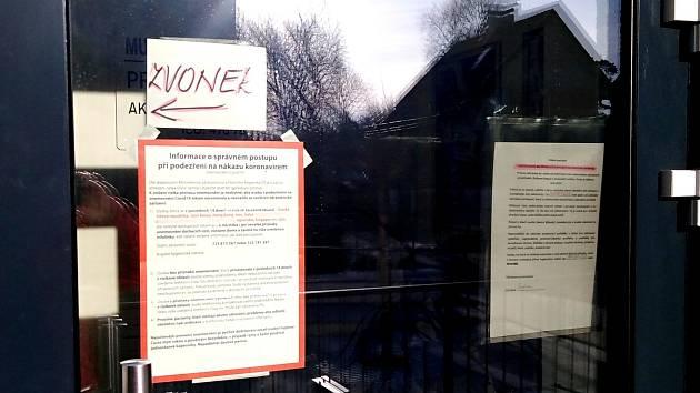 Sdělení lékařů ordinujících v Týnci nad Sázavou.
