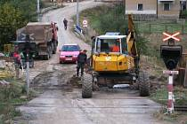 Kvůli výstavbě kanalizace nejezdí do Pecerad ani autobusy