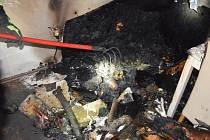 Požár rodinného domu v Pyšelích v pondělí 25. května 2020.