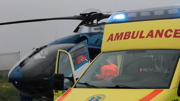 Přes veškerou péči záchranářů a lékařů v pražském Motole jednatřicetiletá řidička v sobotu zemřela.