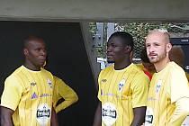 Stanley Ibe (vlevo) a Erik Kwame Adjei jsou novými posilami Benešova a přispěli k výhře v Chrudimi.