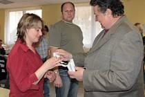 Předávání zlatých a stříbrných Janského plaket za bezpříspěvkové dárcovství krve.