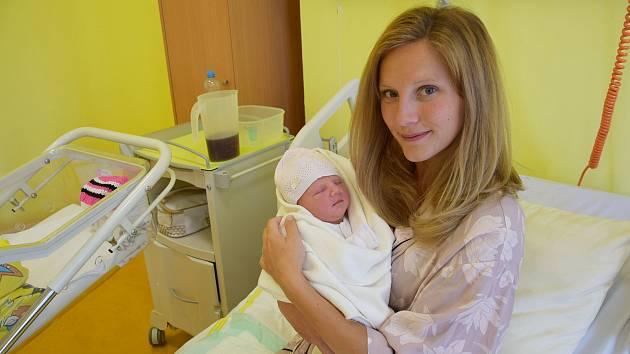 Ema Kosová se manželům Jane a Tomášovi narodila v benešovské nemocnici 20. září 2020 v 11.22 hodin, vážila 3340 gramů. Doma v Mrači má bratříčka Matyáše (1).