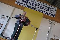 Stovky posluchačů navštívily v sobotu jubilejní desátý ročník Keblovské heligonky.