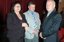 Radní Benešova v roce 2010, zleva Věra Petrová, Pavel Khek a Jaroslav Hlavnička.