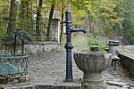 Sázavská studánka Vosovka je opředena legendou o poustevníku Prokopovi