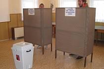 Ve druhém kole prezidentských voleb se utkají Miloš Zeman a Karel Schwarzenberg.