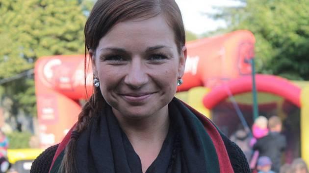 Moderátorka Barbora Tlučhořová bude odpovídat čtenářům Benešovského deníku od úterního rána do pátečního poledne.