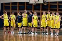 Basketbalisty Benešova B, které postoupily do II. ligy.