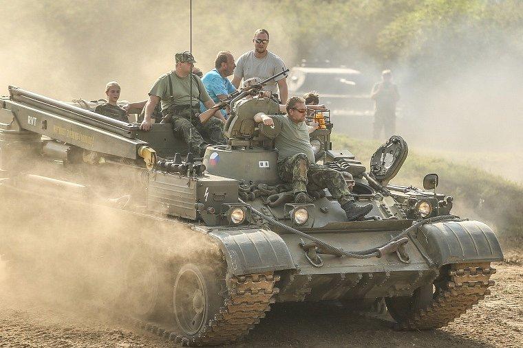Ve Vojenském technickém muzeu v Lešanech se konal již 17. ročník Tankového dne.