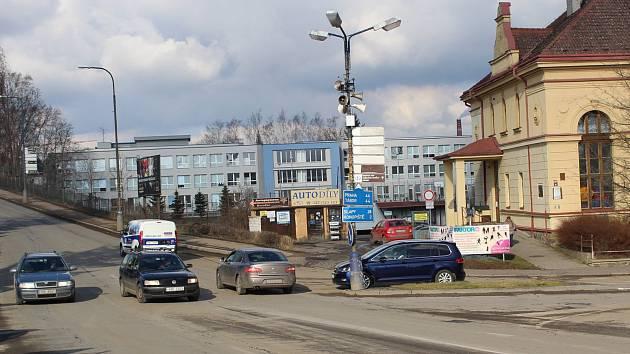 Křižovatka ulic Tyršova a Nádražní v Benešově zůstane v této podobě až do nového roku 2020.