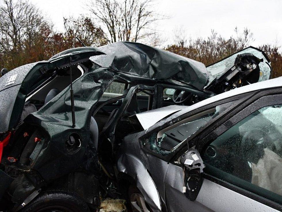 Tragická dopravní nehoda na silnici I/3 u Poříčí nad Sázavou v neděli 28. října 2018.