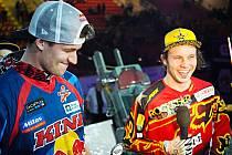 """Libor """"Mouka"""" Podmol (vpravo) ze Znosimi vyhrál první závody mistrovství Evropy v rakouském Linzu. Pyšelský Petr """"Pilník"""" Pilát  (vlevo) byl nejprve čtvrtý a poté druhý."""