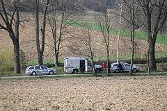 Dva muže zavalila zemina v Zahořanech nedaleko Vranova u Čerčan. Na místě jsou hasiči a policisté.