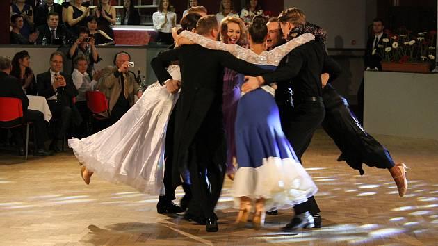 Reprezentační ples Středočeského kraje se konal v sobotu 11. března 2018 v Kulturním domě Karlov v Benešově.