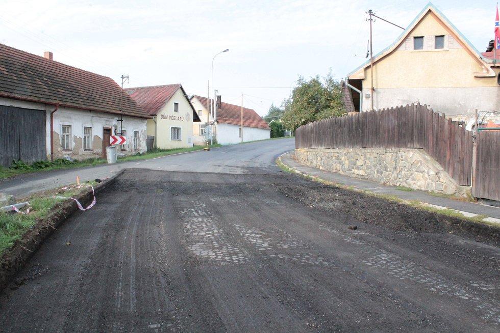 Rekonstrukce a uzavírka silnice II/112 v Domašíně.