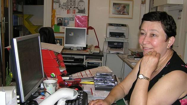 Daniela Bendová ve svém obchodě.