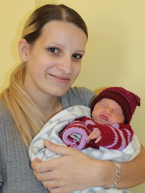 Malá Lucie se narodila 11. května ve 20.28. Z holčičky se radují rodiče Andrea Kadlecová a Lukáš Jelínek. Její váha byla 2,50 kg a míra 47 cm. Doma ve Vlašimi má sestřičku Veroniku (5).