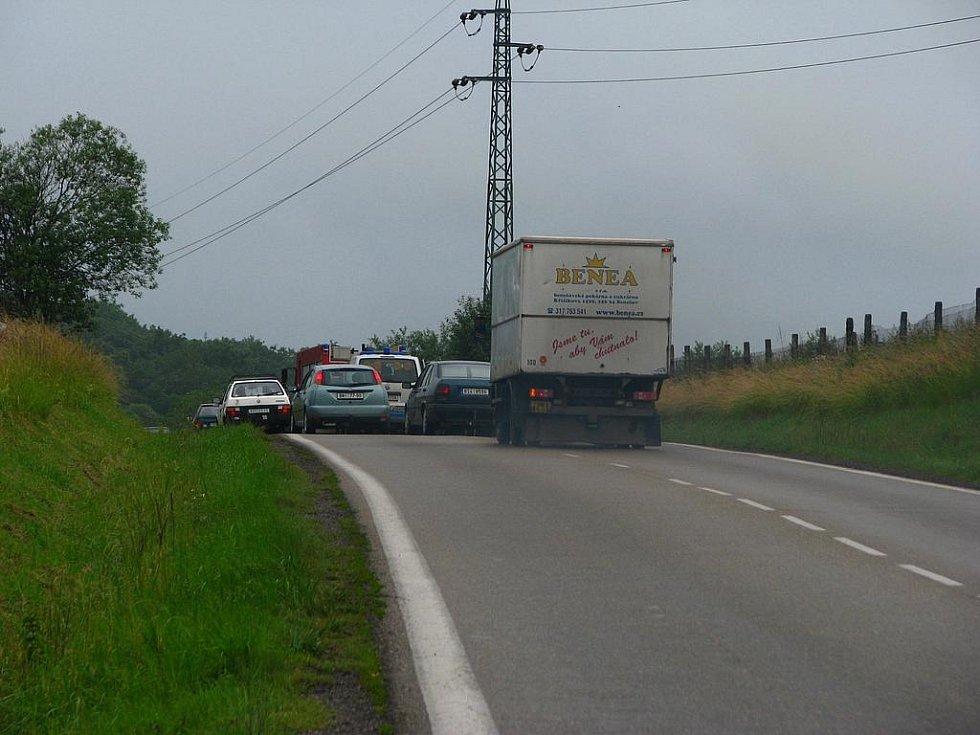 Dopravní nehoda na silnici z Benešova do Týnce.