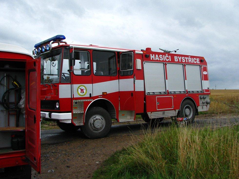 Na likvidaci ekologické havárie se podílelo pět hasičských jednotek a odborná dekontaminační firma.