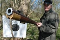 Střelnici na Kavčíně využívají pro závody i vyznavači předovek.