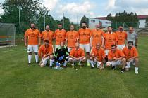 Fotbalisté Starých gard a jejich setkání v přátelském zápase.