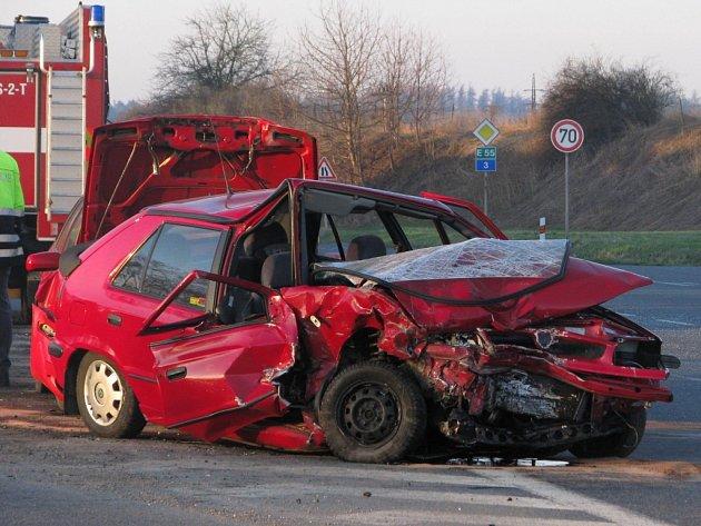 Křižovatka na silnici E55 na Červených Vršcích má na kontě řadu tragédií.