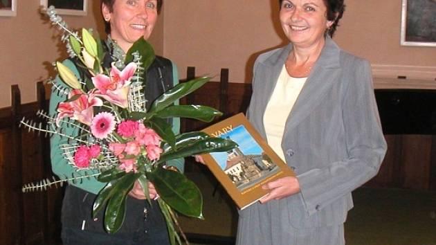 Spisovatelka představuje ve velvarském muzeu  svoje dílo.